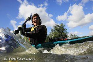 photo of the week 35 – (Ulla Haapala melomassa Tuusulan joella)