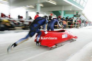 photo of the week 49 – (Romenian bobsled team:  Andreaa Olin Popescu & Simona-Elena Neata)