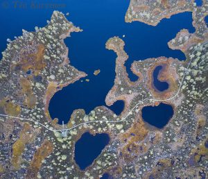 83-84 – The small lake of Kauhalammi & the boardwalk around it.