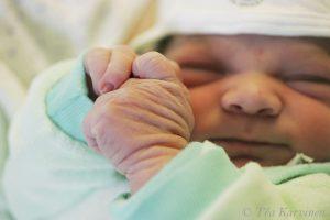 7977 – 6 tuntia nuori uusi tulokas maailmassa (Hyvinkään sairaalassa 1.11.2006)