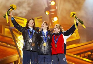 230 – Skeleton girls on medal podium in Salt Lake City 2002