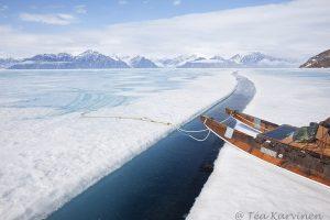 3505 – Near Pond Inlet in Nunavut, northern Canada