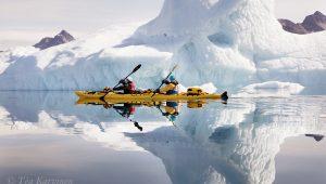 6932 – Kayaking in the Sermilik fjord in Greenland