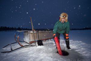 5108 – Ice fishing in Inari