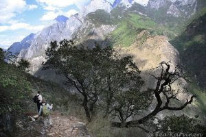 4623 – Hiking in China