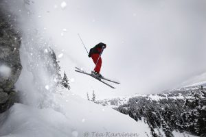 8820 – Skiing in Big White, Canada