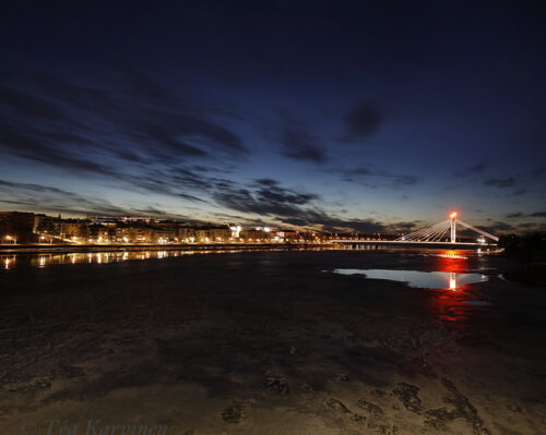 5598-5599 – Rovaniemi city & the Kemijoki river at midnight