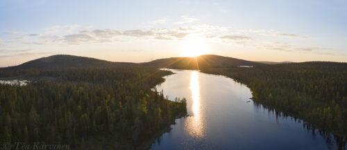 569-571 – Sallatunturi fells seen with the Tunturilammit lake