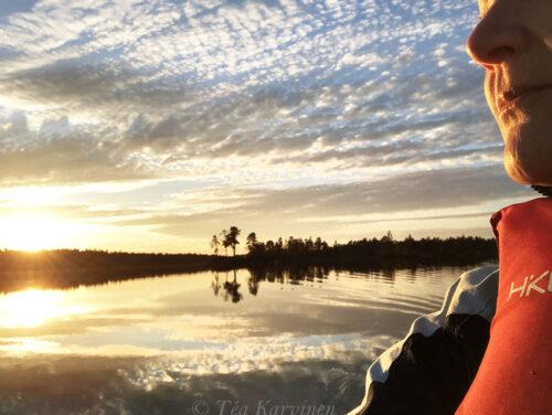 2518 – @ the lake Inari at midnight