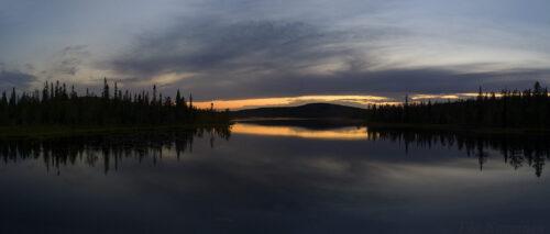 132-134 –  Tunturilammit end of July at night