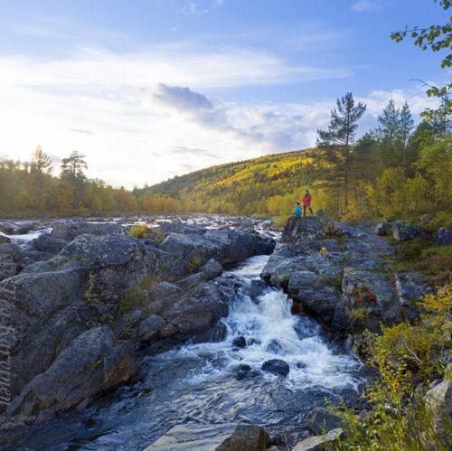569-570 – Tsarssi waterfall in Kevo Strict Nature Reserve (Tsarssin putous Kevon luonnonpuistossa)